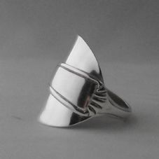 Gorgeous Handmade Antique Art Deco Sterling Silver Spoon Ring Dated 1952 Unique